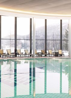 Inspired by the natural beauty and grace of the Engadin Alps, an oasis has been created which incorporates the natural surroundings into the holistic approach of the Palace Wellness at Badrutt's Palace Hotel