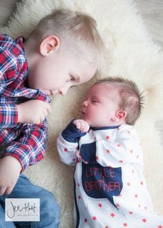 Baby and Big Brother. Sibling photography. Brothers.