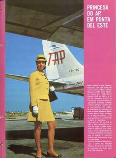 A/B Maria Susana Couto da TAP sob a asa do B707 – CS-TBC, «Luanda», Aeroporto da Portela, 1970. Lisbon Airport, Cs, Peplum Dress, Baseball Cards, Peplum Dresses