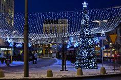 Gdyńska iluminacja świąteczna na pl. Kaszubskim / Christmas lights in Gdynia streets, Kaszubski Square | fot. Marcin Kostrzyński | #christmas #iluminacja #gdynia