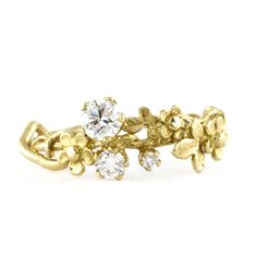 Rosa Stellata solitaire diamond ring in 18carat yellow gold 6450