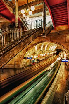 Paris Underground - Metropolitain Station