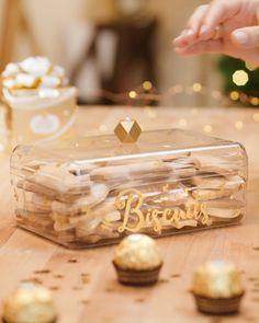 The cookie box - Noel - Desserts Cake Decorating For Beginners, Cake Decorating Videos, Cake Decorating Techniques, Decorating Ideas, Dollar Tree Gifts, Dollar Tree Decor, Ferrero Rocher Box, Box Noel, Nutella Jar