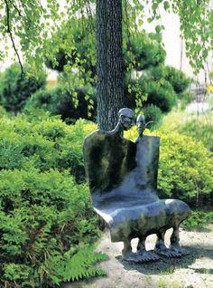 Unikalna ławka odlana w brązie, a równocześnie piękna rzeźba - zdjęcie