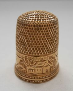 Antique Deco Simon Bro 14k Yellow Gold Engraved Collectible Sewing Thimble .