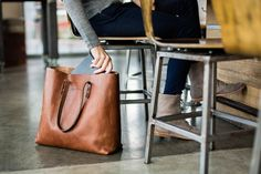 A solidly built tote bag is an everyday staple. Day, night, travel, errands - the Whipping Post Vintage Tote bag embodies utility. We've used vegetable tanned leather and included an interior poc Kelly Bag, Paar Style, Sacs Tote Bags, Mk Bags, Duffle Bags, Valentino Rockstud, Kinds Of Shoes, Fashion Bags, Fashion Handbags