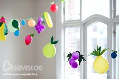Fruit party: balloon garland set the scene, each guest brought an exotic fruit and the hosts provided a bounty of quotidian produce Balloon Crafts, Balloon Garland, Balloon Decorations, Balloon Party, Fruit Decorations, Balloon Ideas, Party Garland, Balloon Hacks, Doily Garland
