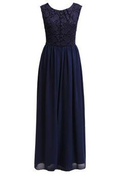 Denna klänning med spetsdetaljer  finns i flera färger och skulle passa utmärkt till ett höst eller vinter bröllop.