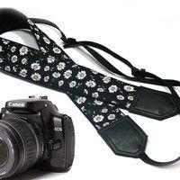 Daisies Camera strap