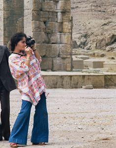Elizabeth Taylor in Iran, 1976 #ElizabethTaylor #Iran #1970's