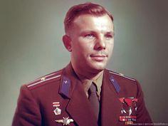 Юрий Алексеевич Гагарин - советский лётчик-космонавт, Герой Советского Союза, кавалер высших знаков отличия ряда государств, почётный гражданин многих российских и зарубежных городов.