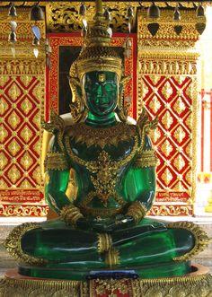 Prathat Doi Suthep temple (Wat Prathat Doi Suthep), jade Buddha statue, Chiang Mai, Thailand