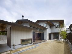 This wooden house project is located on a site between the Entsu-ji Temple (built in 1678) and Mt. Hieizan in Kyoto, Japan. Inspired by the artwork Toshikuru...