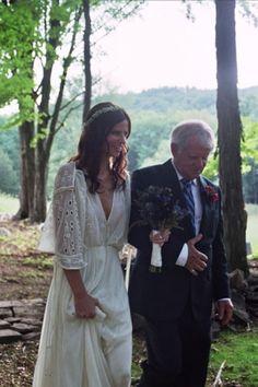 Boho Bride. Zac Posen Dress. I LOVE this wedding dress. I SO would have worn it 18 years ago.