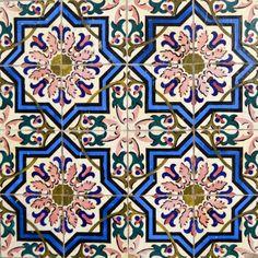 https://www.facebook.com/thetilesoflisbon Code: P180 © The Tiles of Lisbon