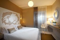Frau Irene Hause. Hotel apartments Sarti Chalkidiki