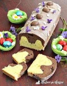 Chec in doua culori cu glazura alba Cake Cookies, Cooking Recipes, Birthday Cake, Pudding, Sweets, Fondant, Healthy, Healthier Desserts, Drink