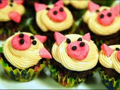 If baking is an art, these piggy-faced cupcakes will take it to the next level. Cute cupcakes for adorable kids