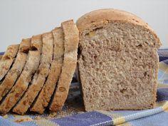 Ma Petite Boulangerie: Pan de molde integral con salvado, nueces y miel Pan Bread, Bread Baking, Thermomix Bread, Artisan Bread, Bread Recipes, Food, Breads, Savory Muffins, Food Cakes