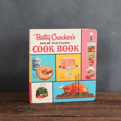 Betty Crocker's New Picture Cookbook, 1960's Hardcover, 5 Ring Binder Style , FREE SHIPPING