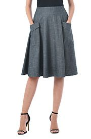 Cargo pockets add utilitarian charm to our cotton poplin skirt cut with a banded waist and full flare silhouette.