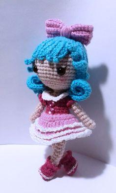 Tiny szydełkowa lalka z amigurumi w wersji bezpłatnej
