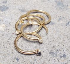 Les bagues Andyheart de Mirlo http://www.vogue.fr/joaillerie/shopping/diaporama/bagues-fines-en-or-a-collectionner-catbird-mirlo-ny-myrtille-beck/20053/image/1043707#!les-bagues-andyheart-de-mirlo