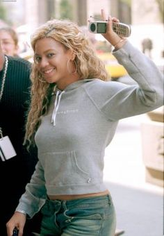 #beyonce #2001 Check out the cell phone!