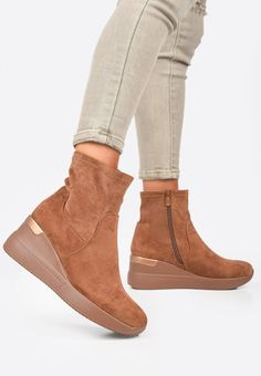 Sneakers cu platforma Torino Camel Camel, Wedges, Boots, Sneakers, Fashion, Shearling Boots, Trainers, Moda, Fashion Styles