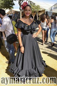 Flamencas en la Feria de Lebrija 2015 9 Spanish Dress Flamenco, Flamenco Skirt, Mexican Costume, Flamenco Costume, Girls Party Wear, Half Saree Lehenga, Egyptian Women, Quince Dresses, Mexican Dresses