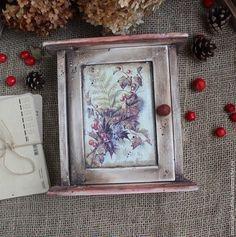 """Купить """"December"""" ключница - серый, красный, рождество, Новый Год, рождественская открытка, открытка"""