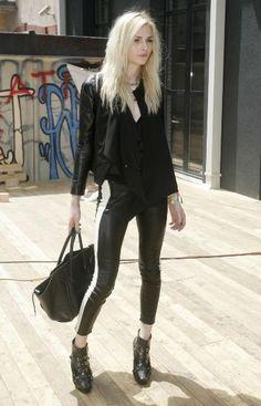 Andreja Pejic Page Transgender Model, Transgender Girls, Fashion Models, Fashion Show, Latex Men, Feminized Boys, Androgynous Fashion, Australian Models, Male Models