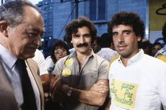 Miguel Arraes, Belchior e José Fogaça, do PMDB-RS, no comício pelas Diretas Já, na Praça da Sé, em 1984 Non Stop, Appreciation, Baseball Cards, Sports, Best Songs, Boys, Fortaleza, Hs Sports, Sport