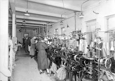 [Interiør fra Alfred M. Bruvik strømpefabrikk 1937] fra marcus.uib.no