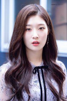K-Pop Babe Pics – Photos of every single female singer in Korean Pop Music (K-Pop) Mamamoo, Korean Beauty, Asian Beauty, Snsd, Yoona, Red Velvet, Kim Chungha, Jung Chaeyeon, Pre Debut