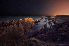 La Arnía, Costa Quebrada #Cantabria #Spain Costa, Landscape Photography, Art Photography, Rocky Shore, Portugal, Amazing Destinations, Travel Inspiration, Northern Lights, Spain
