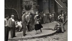 Ruth Orkin, Jeune femme américaine en Italie, 1951