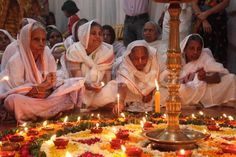 widows-of-vrindavan-celebrate-diwali