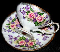 Love the pattern- I have always wanted a collection of different tea cups and saucers.  Oh and tea pots.