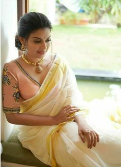Image may contain: one or more people Beautiful Girl Indian, Most Beautiful Indian Actress, Beautiful Saree, Gorgeous Women, Beautiful People, Cute Beauty, Beauty Full Girl, Beauty Women, Indian Girls Images