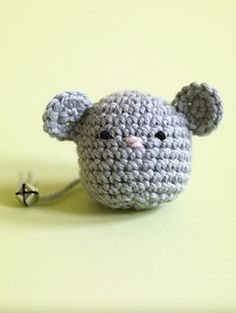 Never buy another mouse toy again! This homemade alternative will keep yourself and your kitty happy. (Lion Brand Yarn)