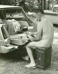Джером Дэвид Сэлинджер за работой, 1950-е гг.