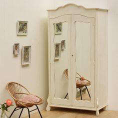 Brocante spiegelkast - Styling Zoë van Dijk