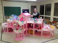 Marcia Ogren of Norton Shores, Michigan has collected Barbies since the She set up part of her collection in the fellowship hall of the Church of God United. She assembled this huge Barbie house using snap-together pieces from 16 Barbie house sets from Barbie Doll House, Barbie Dream House, Barbie Dolls, Vintage Barbie, Vintage Toys, Barbie Sets, Doll House Plans, Lol Dolls, Barbie Furniture