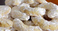 Μπισκότα αμυγδάλου με βανίλια (Video) Greek Sweets, Greek Desserts, Greek Recipes, Snack Recipes, Dessert Recipes, Cooking Recipes, Snacks, Greek Cookies, Mumbai Street Food