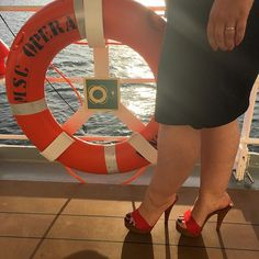 #feet #foot #footfetish #legs #footjob #footporn #sexyfeet #footgoddess #bbw #footlovers #pedicure #leggings #toes #platformheels #curvy  #feetlovers #footmodel #beautifulfeet #pedicuredtoes #woodenmules #shoes #heels #heel #highheels #sexyshoes #zoccoli #zoccoletti #mules #footqueen