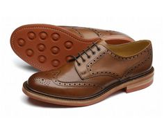 Loake Worton Brown - Endast i butik - Bäckmans Skoservice Church's Shoes, Lace Up Shoes, Me Too Shoes, Shoe Boots, Brown Brogues, Leather Brogues, Calf Leather, Gentleman Shoes, Gentleman Style