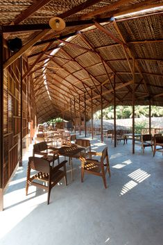 Salvaged Ring coffee house by Vietnam Bamboo Architecture, Tropical Architecture, Vernacular Architecture, Sustainable Architecture, Architecture Details, Interior Architecture, Tectonic Architecture, Resort Interior, Bamboo Building