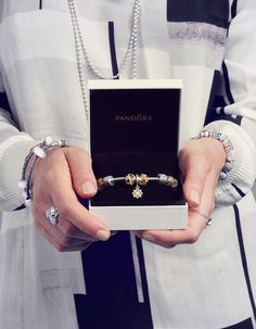 Look your best while Christmas shopping for your loved ones. Check PANDORA Magazine for inspiration. #PANDORAmagazine