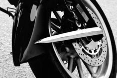 Motorcycle riding tips for beginners Whether you are a newbie in riding or you are a seasoned rider, the rules of safety remain the same. Triumph Motorcycles, Harley Davidson Motorcycles, Custom Motorcycles, Beginner Motorcycle, Motorcycle Tips, Used Engines, Custom Baggers, Dirtbikes, Biker Chick
